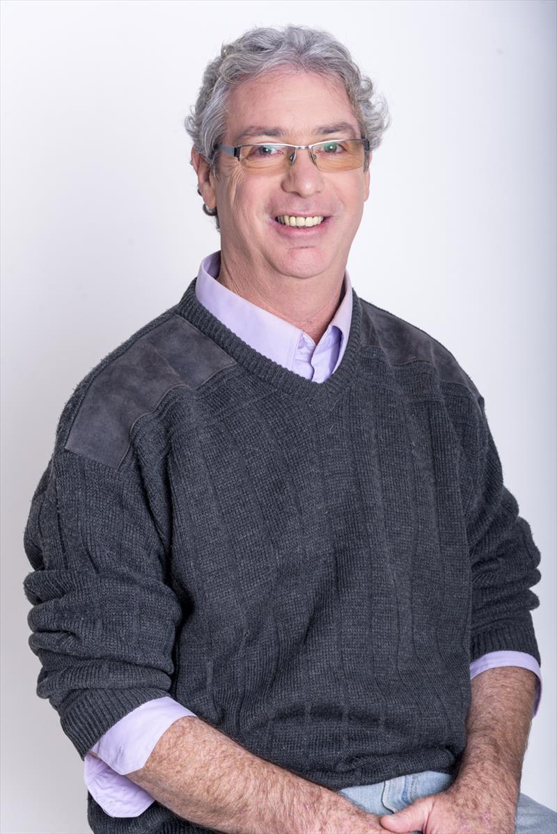 מתוחכם דן גפני מחשבים | דן גפני מחשבים | טכנאי ומורה למחשבים | חניאל UG-18